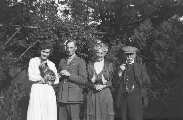 From left to right, Dorrie Nossiter, Fiancé (Unknown), Charlotte Nossiter and William Gough.
